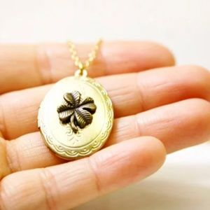 Handmade Jewelry - 4 Leaf Clover Locket Necklace/Bracelet, Handmade🌸